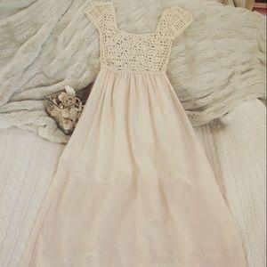 Dresses & Skirts - Ivory Crochet Full Dress 🏷